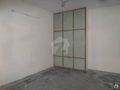 گلریز ہاؤسنگ سکیم راولپنڈی میں 7 کمروں کا 1 کنال مکان 3.5 کروڑ میں برائے فروخت۔