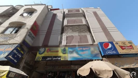 In Jamshed Town Flat For Urgent Sale Sized 945  Square Feet