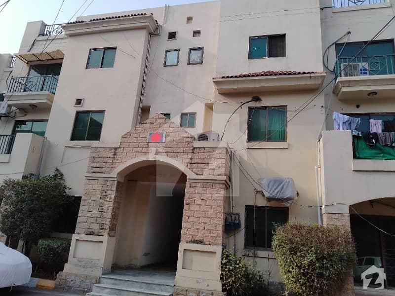 رحمان گارڈنز لاہور میں 11 کمروں کا 1 کنال فلیٹ 5.25 کروڑ میں برائے فروخت۔