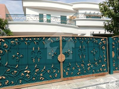1 kanal Very Beautiful Bungalow Is Available For Rent At Ideal Location Of Dha Phase 4