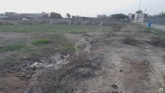 ڈی ایچ اے فیز 8 - بلاک وی فیز 8 ڈیفنس (ڈی ایچ اے) لاہور میں 2 کنال رہائشی پلاٹ 5.5 کروڑ میں برائے فروخت۔