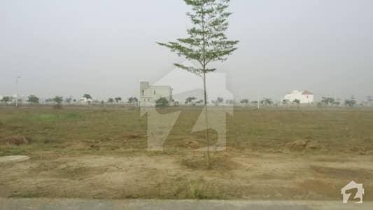 ڈی ایچ اے فیز 7 - بلاک وائے فیز 7 ڈیفنس (ڈی ایچ اے) لاہور میں 1 کنال رہائشی پلاٹ 2.28 کروڑ میں برائے فروخت۔