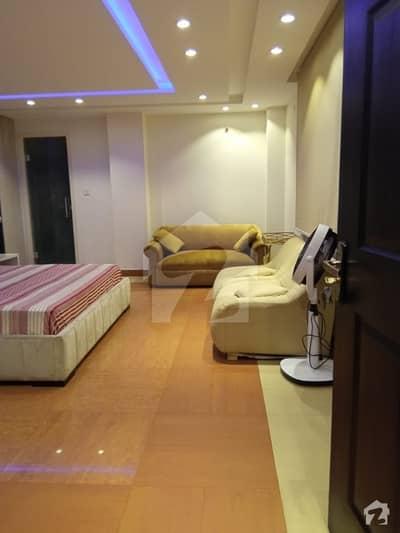 بیدیاں روڈ لاہور میں 3 کمروں کا 8 کنال فارم ہاؤس 1.65 لاکھ میں کرایہ پر دستیاب ہے۔