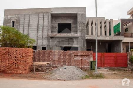 ڈی ایچ اے فیز 6 - بلاک جے فیز 6 ڈیفنس (ڈی ایچ اے) لاہور میں 5 کمروں کا 12 مرلہ مکان 2.6 کروڑ میں برائے فروخت۔