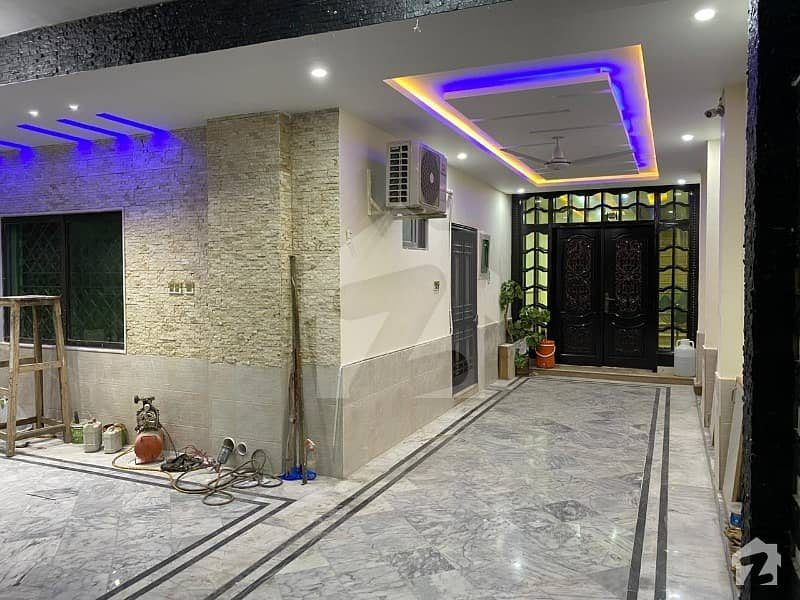 G,9,1, 40x80, Renovated House For Sale 6 Bed 2 Dd 2 Tvl 2 Kitchen Marble Floor