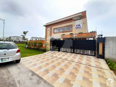 1 Kanal Beautiful Luxury Style Villa Available At Prime Location In Dha Defence
