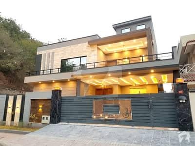بحریہ ٹاؤن فیز 4 بحریہ ٹاؤن راولپنڈی راولپنڈی میں 5 کمروں کا 1 کنال مکان 5.3 کروڑ میں برائے فروخت۔