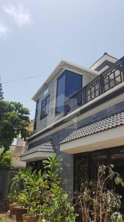 کلفٹن ۔ بلاک 5 کلفٹن کراچی میں 5 کمروں کا 1.05 کنال مکان 15 کروڑ میں برائے فروخت۔