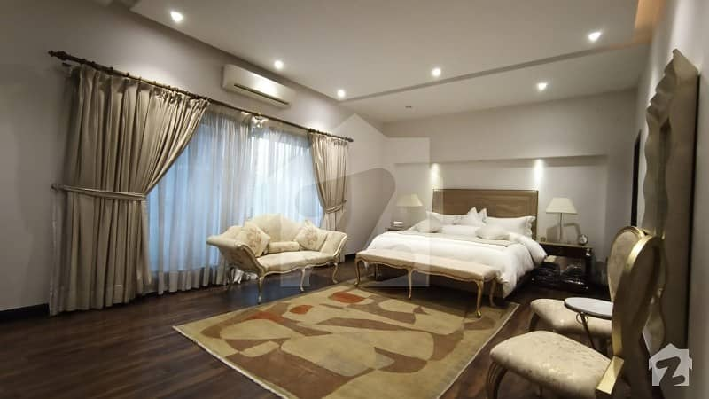 بحریہ ٹاؤن جاسمین بلاک بحریہ ٹاؤن سیکٹر سی بحریہ ٹاؤن لاہور میں 5 کمروں کا 1 کنال مکان 4.5 کروڑ میں برائے فروخت۔