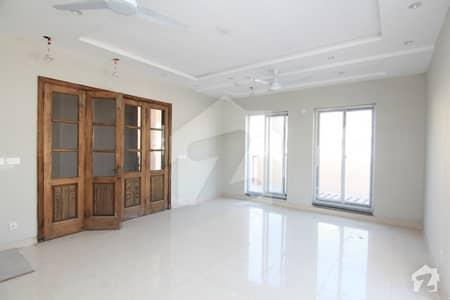 ڈی ایچ اے ڈیفینس فیز 2 ڈی ایچ اے ڈیفینس اسلام آباد میں 6 کمروں کا 1 کنال مکان 1.75 لاکھ میں کرایہ پر دستیاب ہے۔