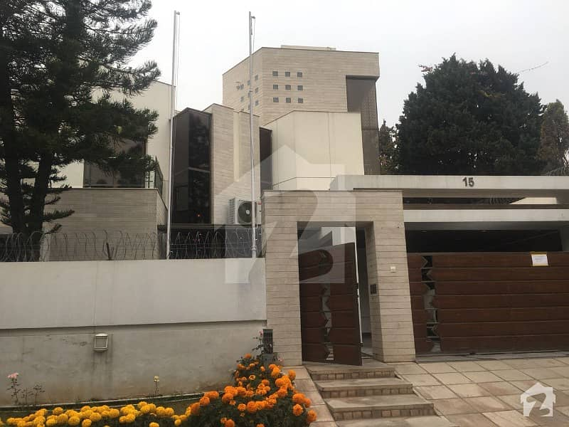 Like New Beautiful House For Sale