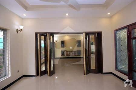ڈی ایچ اے فیز 3 ڈیفنس (ڈی ایچ اے) لاہور میں 3 کمروں کا 1 کنال زیریں پورشن 1.3 لاکھ میں کرایہ پر دستیاب ہے۔