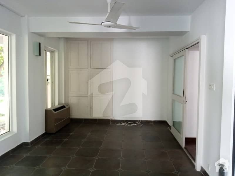 F-7 - Single Storey House For Rent With Lavish Green