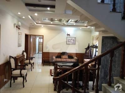 ایف ۔ 10 اسلام آباد میں 6 کمروں کا 1.02 کنال مکان 9.5 کروڑ میں برائے فروخت۔
