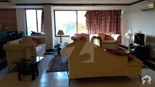 ڈپلومیٹک انکلیو اسلام آباد میں 2 کمروں کا 9 مرلہ فلیٹ 2.9 کروڑ میں برائے فروخت۔