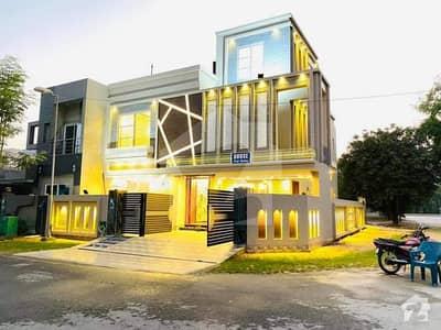 10 Marla Corner Owner Built Solid Construction House For Sale Near Park