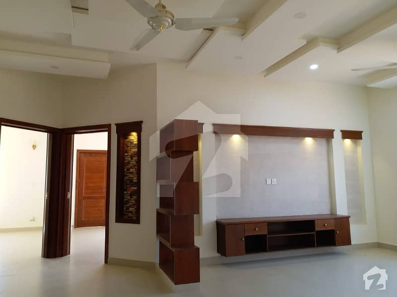 G13 Brand New Architect Design Corner  Double Storey Owner Build House Size  40  80   356 Sq Yd  prime Location  complete Imported Fitting  Fixtures  6 Bedrooms Attached Stylish Bathrooms  double Drawing Dinning  Two Tv Lounge  Two American Style Kitchen