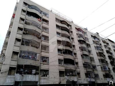 گلشن اقبال - بلاک 13 / D-2 گلشنِ اقبال گلشنِ اقبال ٹاؤن کراچی میں 3 کمروں کا 6 مرلہ فلیٹ 1.15 کروڑ میں برائے فروخت۔