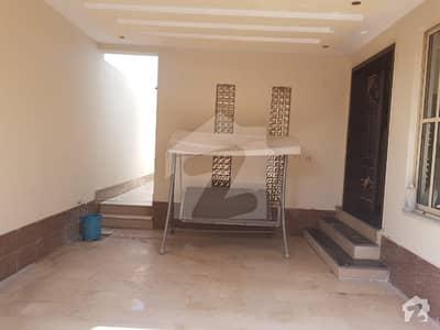 گوجرہ روڈ سمندری سمندری میں 5 کمروں کا 12 مرلہ مکان 2.25 کروڑ میں برائے فروخت۔