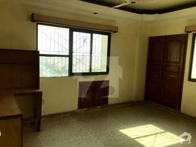 پی ای سی ایچ ایس بلاک 2 پی ای سی ایچ ایس جمشید ٹاؤن کراچی میں 2 کمروں کا 7 مرلہ فلیٹ 45 ہزار میں کرایہ پر دستیاب ہے۔