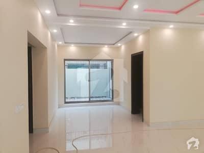 ڈی ایچ اے فیز 2 - بلاک ٹی فیز 2 ڈیفنس (ڈی ایچ اے) لاہور میں 5 کمروں کا 2 کنال مکان 2.5 لاکھ میں کرایہ پر دستیاب ہے۔