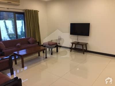 ڈی ایچ اے فیز 1 - سیکٹر سی ڈی ایچ اے ڈیفینس فیز 1 ڈی ایچ اے ڈیفینس اسلام آباد میں 3 کمروں کا 1 کنال مکان 90 ہزار میں کرایہ پر دستیاب ہے۔