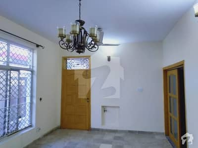 A Beautiful And An Ideal Location 5 Bed Front Open House For Rent