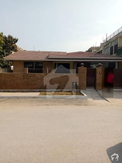 05 Bed House Available For Sale F-11/2 Islamabad