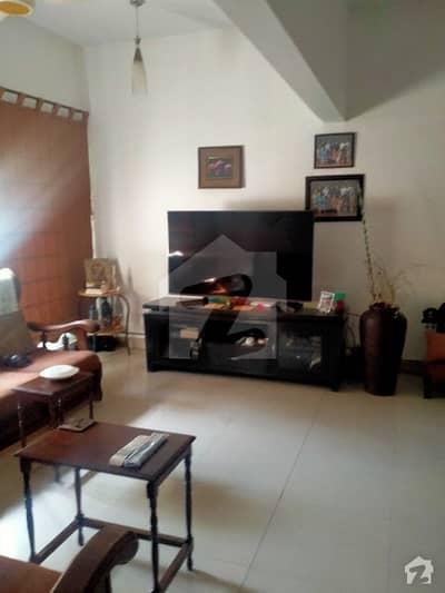 سِی ویو اپارٹمنٹس کراچی میں 3 کمروں کا 10 مرلہ فلیٹ 3.8 کروڑ میں برائے فروخت۔