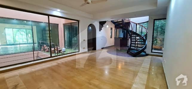 Kanal Used House Is UP For Sale