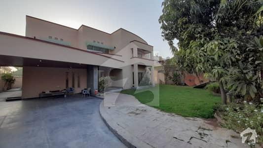 ایف ۔ 11/3 ایف ۔ 11 اسلام آباد میں 5 کمروں کا 2 کنال مکان 19 کروڑ میں برائے فروخت۔