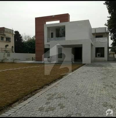 جی ۔ 6 اسلام آباد میں 8 کمروں کا 3.2 کنال مکان 15 لاکھ میں کرایہ پر دستیاب ہے۔