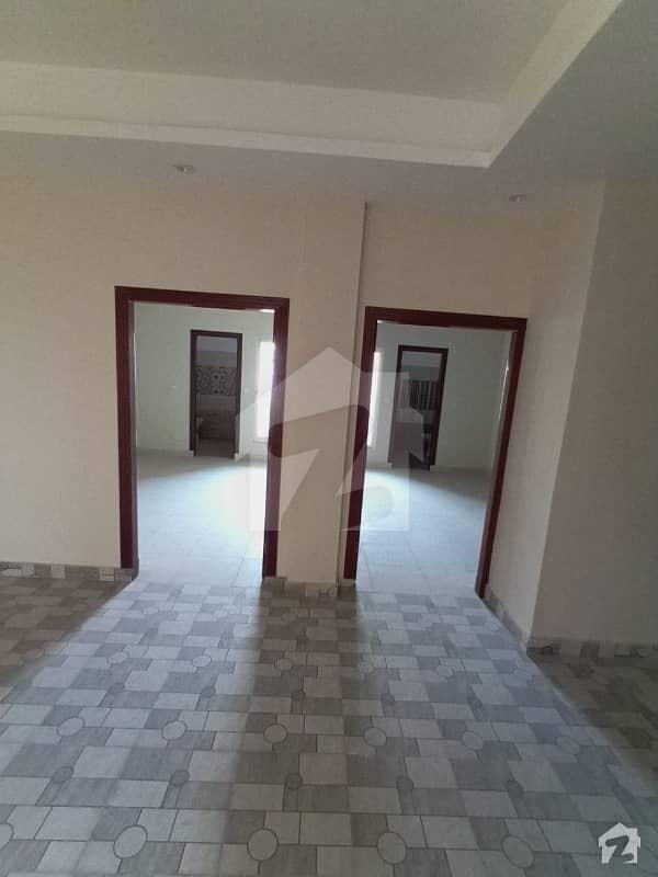 ایم پی سی ایچ ایس - بلاک بی ایم پی سی ایچ ایس ۔ ملٹی گارڈنز بی ۔ 17 اسلام آباد میں 2 کمروں کا 3 مرلہ فلیٹ 45 لاکھ میں برائے فروخت۔
