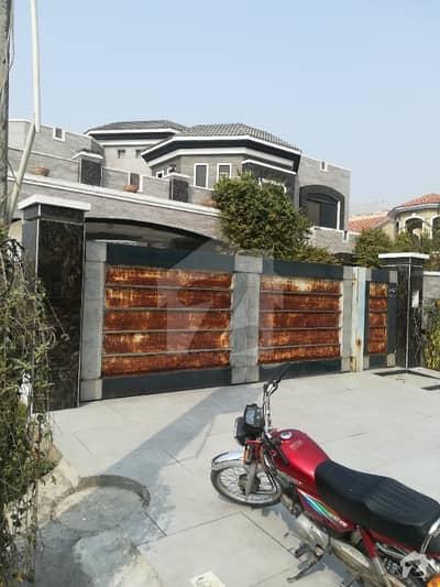 ویلینشیاء ۔ بلاک ڈی ویلینشیاء ہاؤسنگ سوسائٹی لاہور میں 2 کمروں کا 1 کنال بالائی پورشن 55 ہزار میں کرایہ پر دستیاب ہے۔