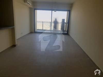 امارکریسنٹ بے ڈی ایچ اے فیز 8 ڈی ایچ اے کراچی میں 3 کمروں کا 10 مرلہ فلیٹ 1.25 لاکھ میں کرایہ پر دستیاب ہے۔