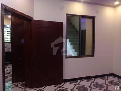 جنجوعہ ٹاؤن راولپنڈی میں 4 کمروں کا 5 مرلہ مکان 26 ہزار میں کرایہ پر دستیاب ہے۔
