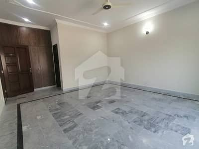 Beautiful 3 Bed Designed 1 Kanal Ground Portion  For Rent