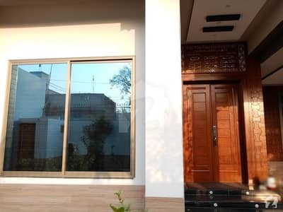 House Of 4500  Square Feet Available In One 4-L Road