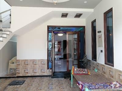 سعدی ٹاؤن سکیم 33 کراچی میں 3 کمروں کا 10 مرلہ مکان 3.15 کروڑ میں برائے فروخت۔