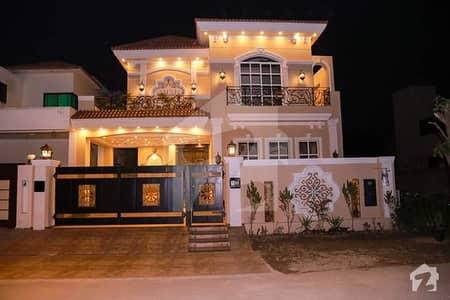اسٹیٹ لائف فیز 1 - بلاک بی اسٹیٹ لائف ہاؤسنگ فیز 1 اسٹیٹ لائف ہاؤسنگ سوسائٹی لاہور میں 4 کمروں کا 10 مرلہ مکان 2.75 کروڑ میں برائے فروخت۔