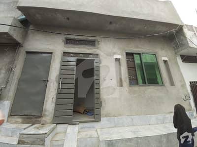 نشتر کالونی لاہور میں 1 کمرے کا 3 مرلہ مکان 16 ہزار میں کرایہ پر دستیاب ہے۔