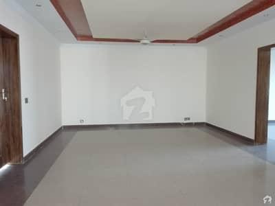 ای ۔ 11/3 ای ۔ 11 اسلام آباد میں 5 مرلہ فلیٹ 80 لاکھ میں برائے فروخت۔