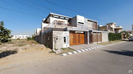 1000 Sq. yard Bungalow Is Available For Sale