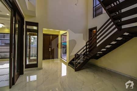 ڈی ایچ اے فیز 6 ڈیفنس (ڈی ایچ اے) لاہور میں 5 کمروں کا 1 کنال مکان 2.3 لاکھ میں کرایہ پر دستیاب ہے۔