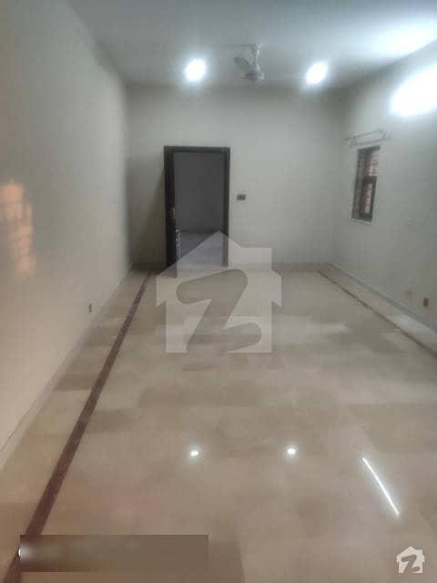 ایف ۔ 10/3 ایف ۔ 10 اسلام آباد میں 6 کمروں کا 1.47 کنال مکان 13.5 کروڑ میں برائے فروخت۔