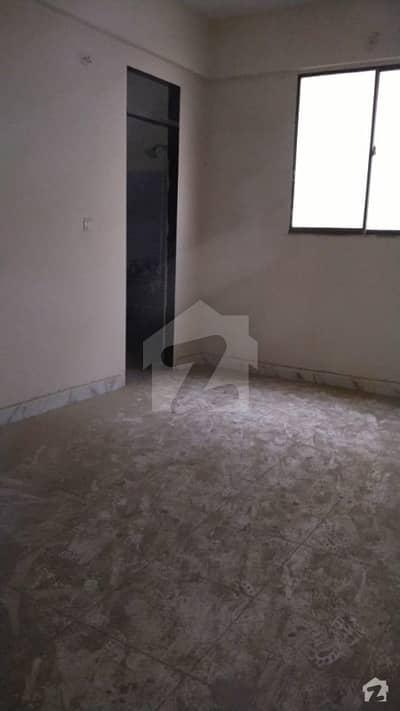 پنجاب کالونی کراچی میں 4 کمروں کا 6 مرلہ فلیٹ 72 لاکھ میں برائے فروخت۔