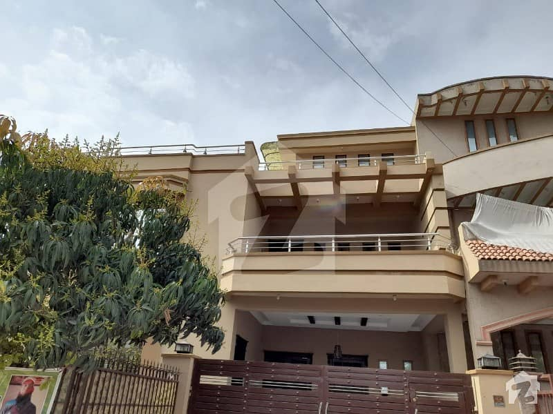 10 Marla Double Storey corner House For Sale