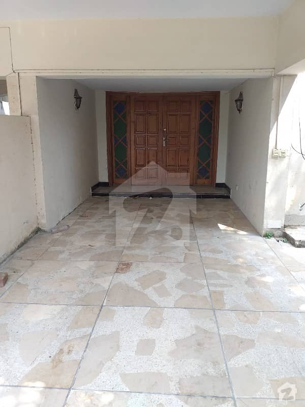 533 Square Yards House Available For Rent At G-6-4 Islamabad