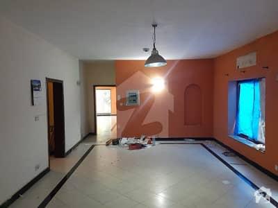 جی ۔ 6/4 جی ۔ 6 اسلام آباد میں 3 کمروں کا 1.07 کنال بالائی پورشن 1.15 لاکھ میں کرایہ پر دستیاب ہے۔