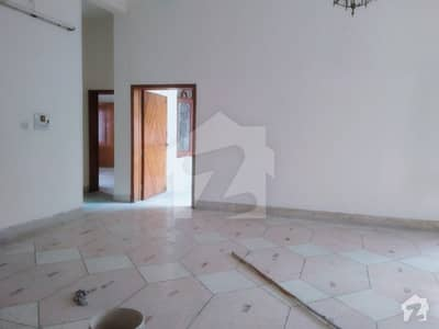 20 Marla Upper Portion Available For Rent Hot Location